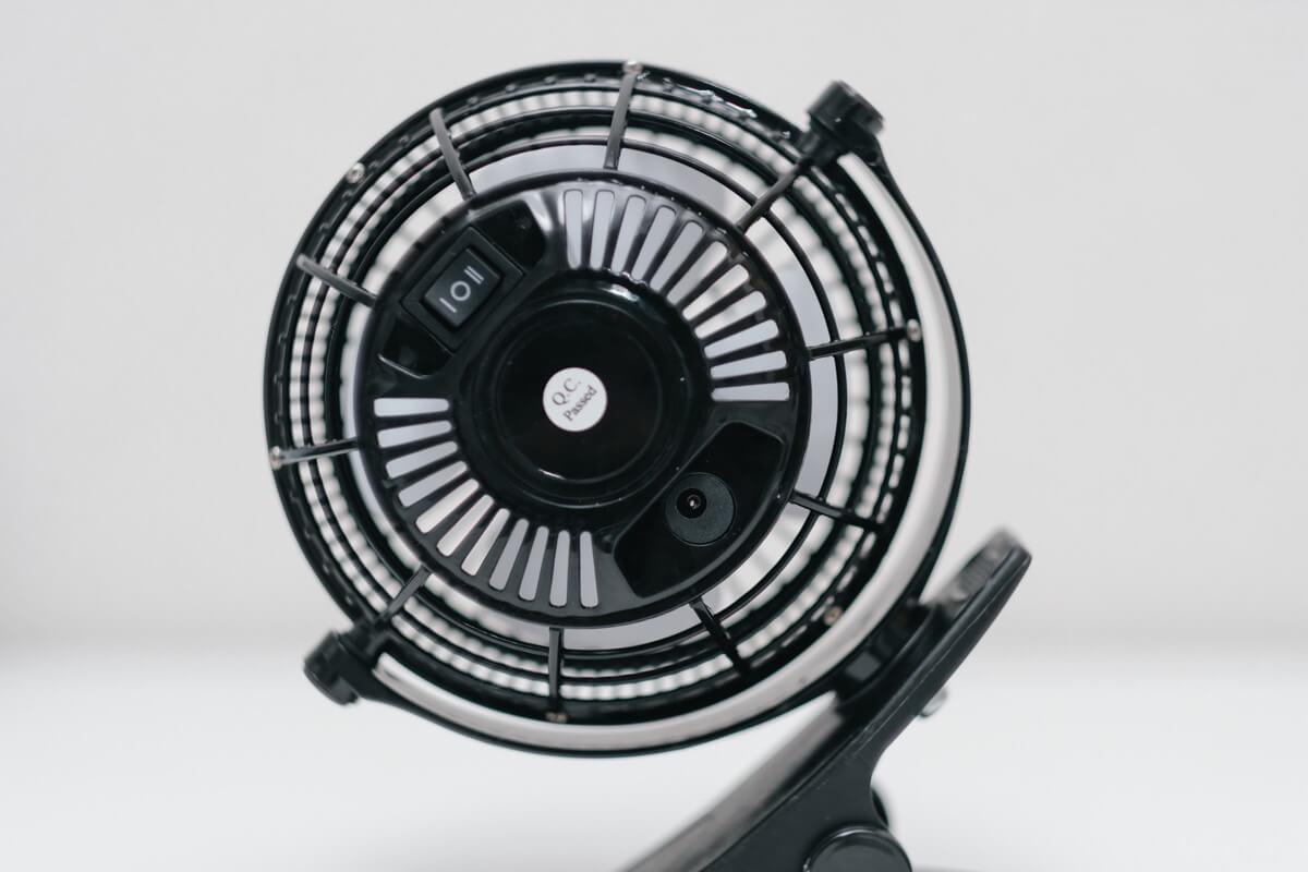 扇風機の背面